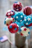 Bruits de gâteau servis Image libre de droits