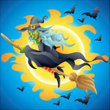 Bruja de Halloween en el vuelo de la escoba en la noche Fotos de archivo
