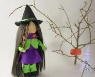 Bruja preciosa el Halloween Imágenes de archivo libres de regalías