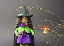 Bruja preciosa el Halloween Imagen de archivo libre de regalías