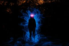 Bruja que juega con las luces Fotografía de archivo