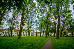 BRUJAS, BÉLGICA - 11 DE AGOSTO DE 2015: Área verde del parque Foto de archivo libre de regalías