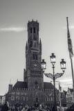BRUJAS, BÉLGICA - 17 DE ENERO DE 2016: Torre de Belfort en Brujas, centro turístico en la ciudad de Flandes de Brujas y patrimoni Fotografía de archivo libre de regalías