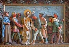Brujas - Jesus Stripped de su ropa Alivio en St Giles (Sint Gilliskerk) como parte de la pasión del ciclo de Cristo Imágenes de archivo libres de regalías