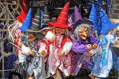 Brujas vendidas en mercado turístico Fotografía de archivo libre de regalías