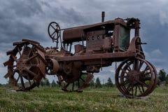 bruka den gammala traktoren Royaltyfria Bilder