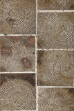 Brukowa płytka robić drewno z naturalnym wzoru tłem Zdjęcia Royalty Free