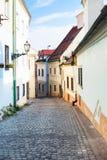 Brukowiec brukująca Beblaveho ulica w Bratislava obrazy stock