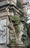 BRUKSELA BELGIA, CZERWIEC, - 21, 2012: Statua Żydowski wysoki ksiądz w baroku stylu od głównego nave świętego Nicholas kościół Zdjęcie Royalty Free