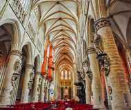 BRUKSELA BELGIA, LIPIEC, - 07, 2017: IInside katedra St Mic Zdjęcia Royalty Free