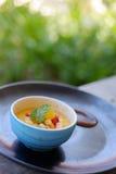brulee caramelised övre traditionell vanilj för kräm- socker för krämefterrätt franskt royaltyfria bilder