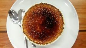 brulee caramelised övre traditionell vanilj för kräm- socker för krämefterrätt franskt arkivbilder