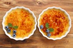 brulee caramelised övre traditionell vanilj för kräm- socker för krämefterrätt franskt Arkivfoton
