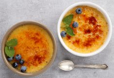 brulee caramelised ваниль cream сахара десерта creme французского верхняя традиционная Стоковые Изображения
