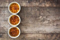 Brulee efterrätt för traditionell fransk kräm med caramelized socker överst Royaltyfri Foto