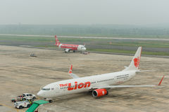 Brume à l'aéroport de krabi Photos stock
