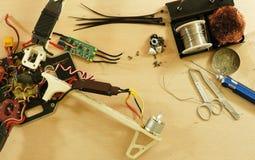 Brummen - elektronische Geschwindigkeitsregelung ESC, die nach Abbruch ersetzt Stockbilder