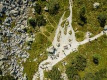 Brummenbild Vogelperspektive des ländlichen Berggebiets in Slowakei, vil lizenzfreies stockfoto