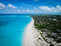 Brummenfoto Grace Bay-Strand, Providenciales, Türken und Caicos stockfotografie