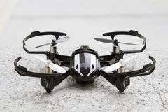 Brummenmikro quadcopter Stockfotos