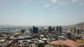 Brummenschuß von Südafrika-Skylinen stock video
