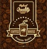 Brun bakgrund med kaffeetiketten Arkivfoton