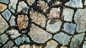 Brun foncé de passages couverts en pierre Région, ou relié Image stock