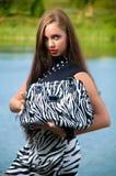 brun haired nätt kvinna Royaltyfria Bilder