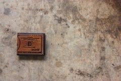 brun läderplånbok Royaltyfria Bilder