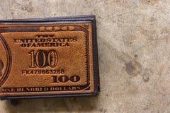 brun läderplånbok Arkivfoto