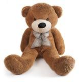 Brun leksakbjörn som isoleras på vit Royaltyfri Fotografi