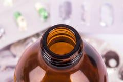 Brun medicinsk flaska Royaltyfria Foton