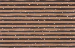 brun omslagdesign med kurvlinjer Arkivfoton