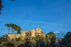 Brun slott i Portofino, Genua, Italien arkivbilder