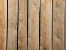 Brun trästaketbakgrund på horisontalplankor, naturträvägg, tappningbakgrund, suddighetsbakgrund Arkivbild