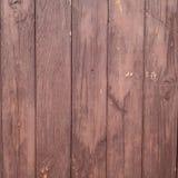 Brun vägg av horisontalbräden arkivbild