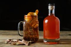 Brun whiskycoctail Royaltyfria Bilder