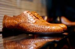 Bruna läderskor för män Royaltyfria Bilder