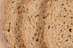 bruna skivor för bröd Arkivfoto