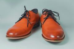 Bruna skor för modeläderman Arkivfoto