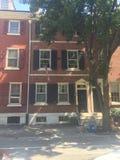 Bruna stenstad-hem i historiska Washington Square West, Philadelphia, PA fyra Fotografering för Bildbyråer