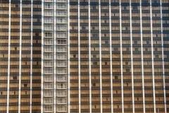bruna vita gardinförhängear Arkivbild