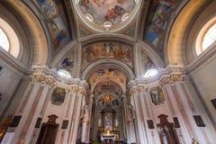 BRUNATE, ITALIË - MEI 2016: St Andrew de Apostelkerk is een heilig bouwterrein in Brunate, in de provincie van Como Stock Foto's