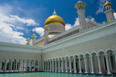 Brunei Mosque Courtyard Water Fountain Stock Image