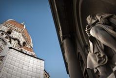 Brunelleschi die zijn koepel bewondert Stock Foto's