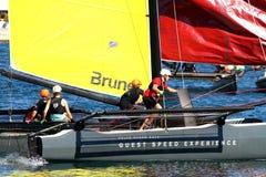 Brunelteam van ProAM 32 catamarans opleiding Royalty-vrije Stock Foto's