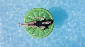 Brunetka bikini model Obraz Royalty Free
