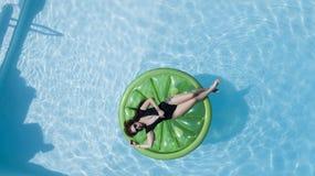 Brunetka bikini model Fotografia Stock
