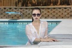 Brunetka bikini model Zdjęcie Stock