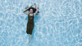 Brunetka bikini model Zdjęcia Royalty Free